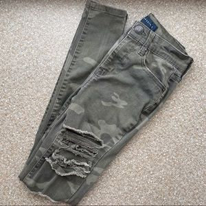 Aeropostale High Rise Camo Ripped Jegging | Size 0